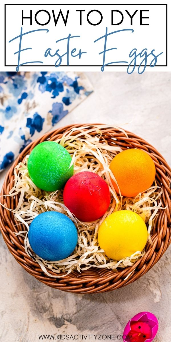How to Dye Easter Eggs with no kit! this easy way to dye Easter Eggs only requires things you already have in your house. The result is vibrant, pretty Easter Eggs for Easter!