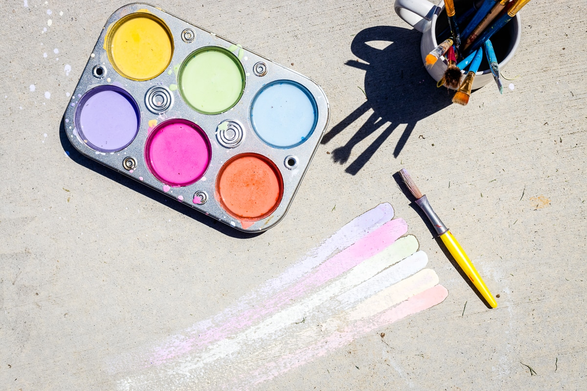 How to Make Sidewalk Chalk Paint painted on driveway with more in muffin tin