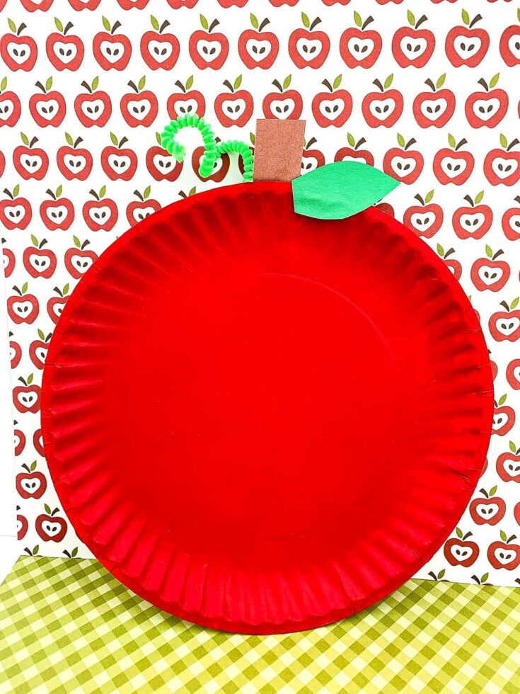 Finished Apple Paper Plate with apple background